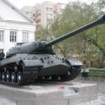 Такие танки участвовали в параде Победы в Берлине 1945год