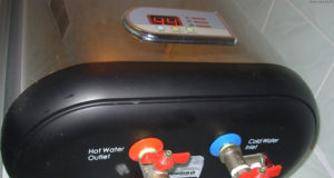 заполнить водонагреватель водой